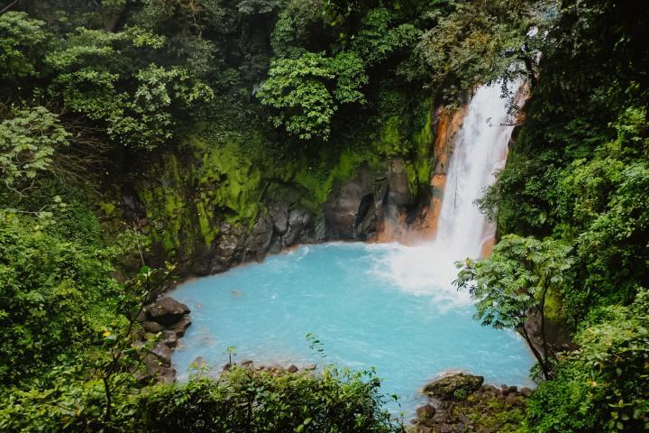 Rio Celeste, Costa Rica – Wanderung zum himmelblauen Fluss &Wasserfall